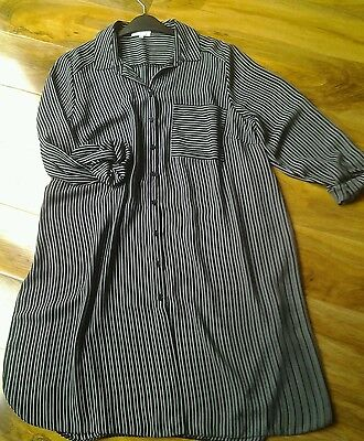 Women's maternity blouse, or oversized blouse.Size14.