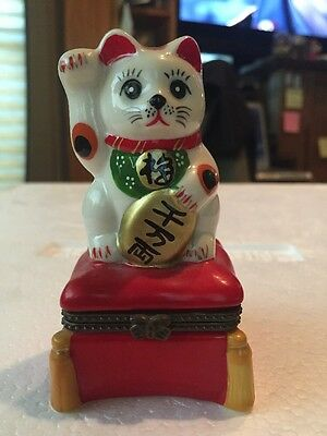 Lucky Cat Trinket Box With Baby Cat Inside