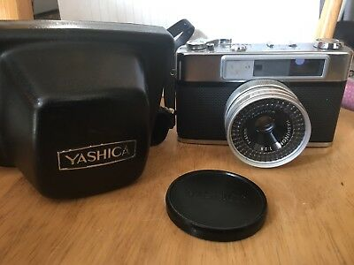 Vintage Yashica Minister III Rangefinder Camera w/Case Not tested Sold As-Is