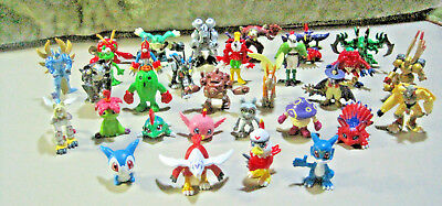 2000 Bandai Digimon Mini Figure Lot
