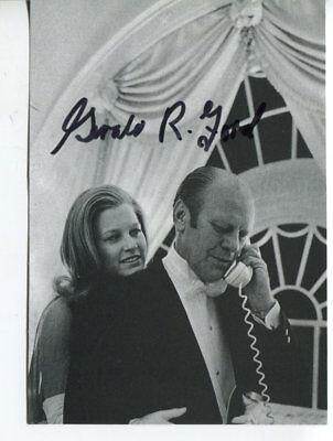GERALD FORD autograph HAND SIGNED 6055