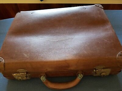 Globite vintage childs school case with label.