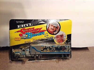 """ERTL Film&Tv """"Smokey & The Bandit """" Truck In 1.87 Scale With Display Pack"""