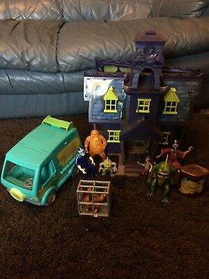 Scooby Doo Mystery Mansion And Mystery Machine + figures