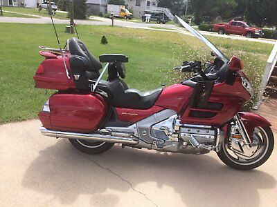 2003 Honda Gold Wing  2003 Honda Goldwing GL1800, Red, Matching Escapade Cargo Trailer