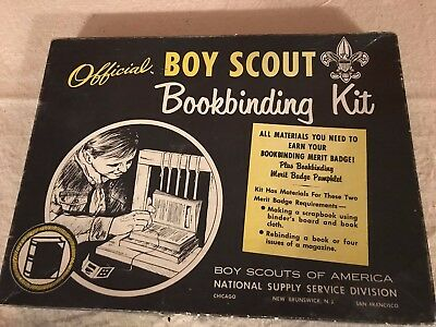 Vintage BOY SCOUT OF AMERICA Official BOOKBINDING MERIT BADGE KIT circa 1950's