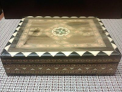 Marquetry box that holds 2 decks of cards