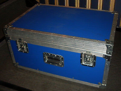 Flight Case With Wheels And Retractable Handle