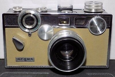 Argus C3 Matchmatic 35mm Camera with 50mm f/3.5 Lens (The Brick) w/ Leather Case
