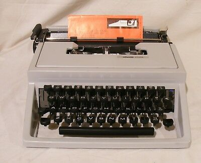 Vintage Lettera Dora typewriter working perfectly excellent condition