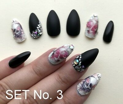 Hand Painted False Nails STILETTO Witch Claws HALLOWEEN Skulls. Only 3 sets! UK