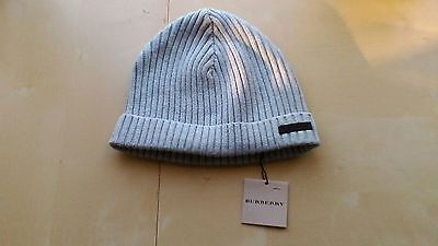 Bonnet burberry neuf taille3= 4/5ans.