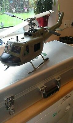 Bell Huey UH-1 RC Helicopter 450 Electric