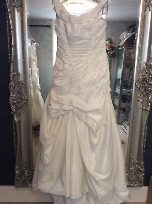 Ex Sample Alfred Angelo Size 16