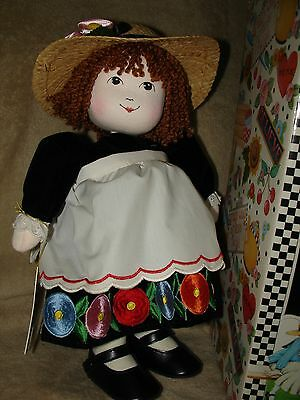 "Vintage Mary Engelbreit ""Lilah"" Music Box Motion Lullaby CLOTH doll NICE"
