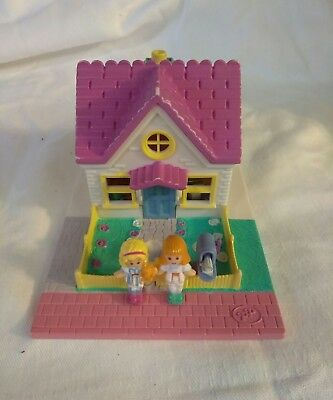 1993 Bluebird Toys Polly Pocket Cozy Cottage Pollyville Slumber Party Playset