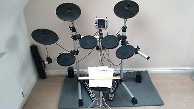 Gear4Music electronic drum kit DD400 with stool & sticks
