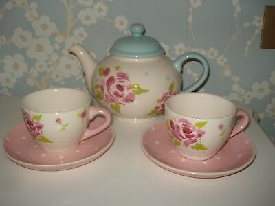 Waitrose Floral Teapot,and 2 cups and saucers,good condition.