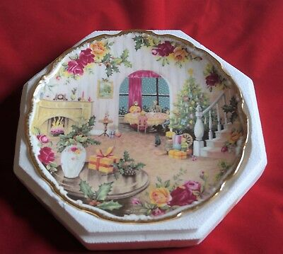 """Royal Albert """"christmas Magic"""" Collector Plate. Old Country Roses, 1988. Boxed"""