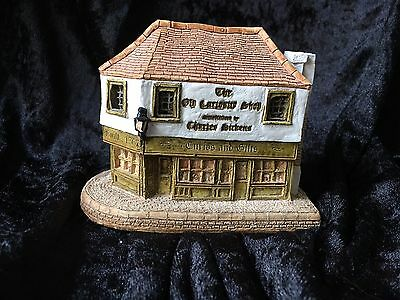 Lilliput Lane The Old Curiosity Shop collectable