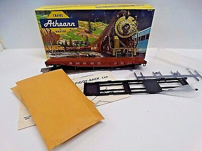 Athearn 1402 - 50' Piggyback Flat Car - Reading 40125 - HO *Less Van Trailers*