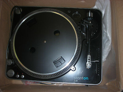 Stanton T.62 Straight Arm Direct-Drive DJ Turntable with 500.v3 Cartridge T62B