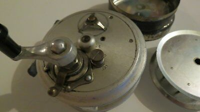Vintage J.T CROUCH & SONS Dunolly Vic Fishing Reel (RARE)