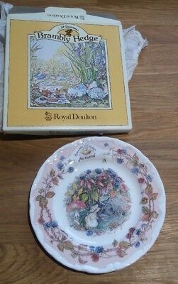 "ROYAL DOULTON BRAMBLY HEDGE ""Autumn"" AFTERNOON TEA PLATE 16cm"