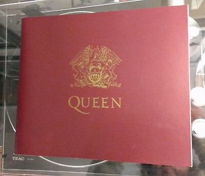 Queen Box Of Tricks - Book, Badge & Patch