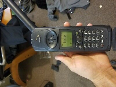 Motorola Iridum 9500 Satellite Phone + Accessories