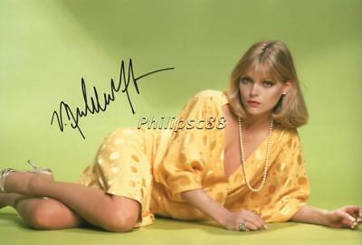 Michelle Pfeiffer Genuine Autographed 12x8inch photograph