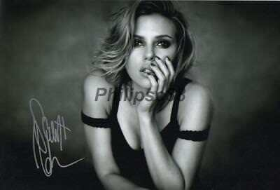 "Scarlett Johansson Genuine signed 12x8"" photograph"