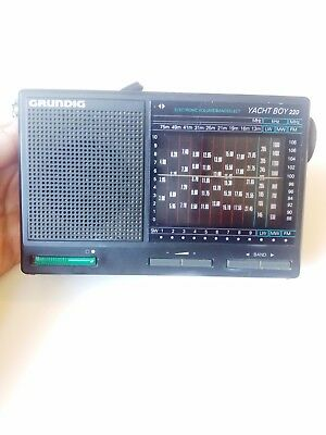 Grundig Yacht Boy 220 MW/FM/LW/SW1-SW9 12 Band Shortwave World Radio