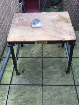 Dewalt De1000 Universal Mitre Or Table Saw Folding Workstand