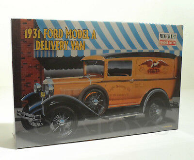 Minicraft - 1931 Ford Model A Delivery Panel Van 1/16 Scale Model - Maquette