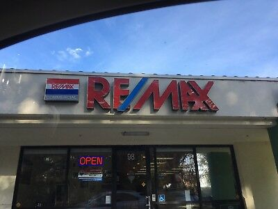 Remax RE/MAX Outdoor Lighted LED Sign With Customized Box Light