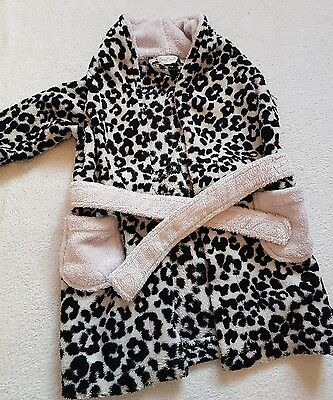 Lovely baby girls dressing gown 6-12 months