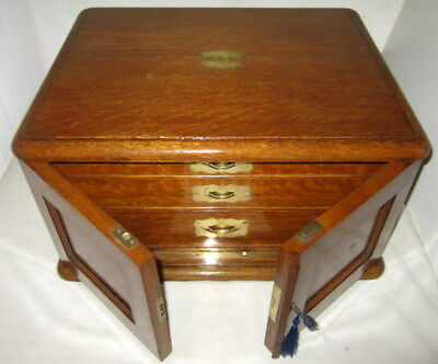 WONDERFUL SOLID OAK & BRASS ANTIQUE TABLE TOP COLLECTORS CABINET with key