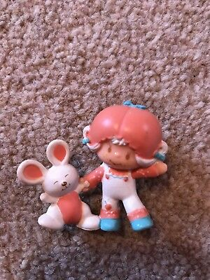 Vintage Strawberry Shortcake Figure - Apricot with Hopsalot