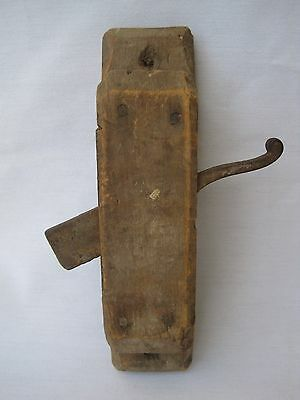 Vintage ANTIQUE Very Primitive DOOR HANDLE Cast Iron LATCH RUSTIC Pull Thumb