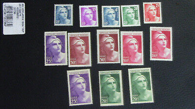 France Lot 9 Timbres 1945 N° 725 à 733 Neuf**