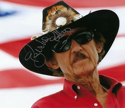 Richard Petty, 7 time NASCAR Winston Cup Champ 8 x 10 signed autographed photo