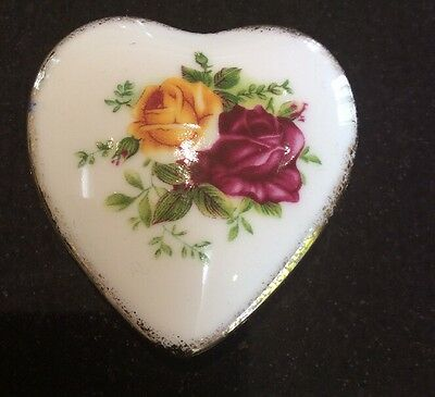Royal Albert Heart Shaped Trinket Box Ornament Old Country Road
