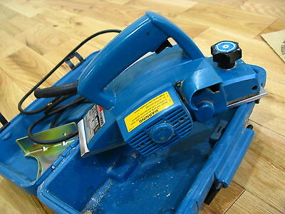 "Makita N1900B, 3.25"", 4 amp, Power Planer w/ Case"