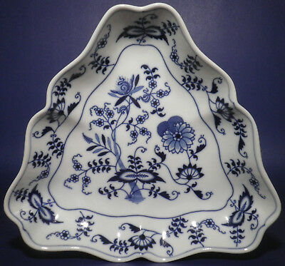 """Rare Blue Danube Triangular Vegetable Bowl With Verge 9¾"""" Serving Tray"""