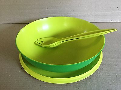 Tupperware CHIC ESSENTIALS BOWL, LID and SALAD SERVERS 3.5L GREEN