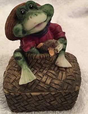 RESIN FROG TRINKET BOX HOLDING FISH SITTING ON BASKET Fishing Fisherman Creel