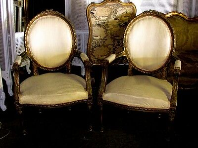 19th C. Stunning Pair of Louis XVI Oval Shaped fauteuils Arm Chairs