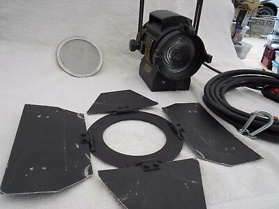 Used LTM Pepper Fresnel 200W 120V Great Condition (no bulb)