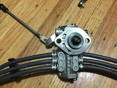 1993 Yamaha 250hp OIL INJECTION PUMP 61A-13200-01-00